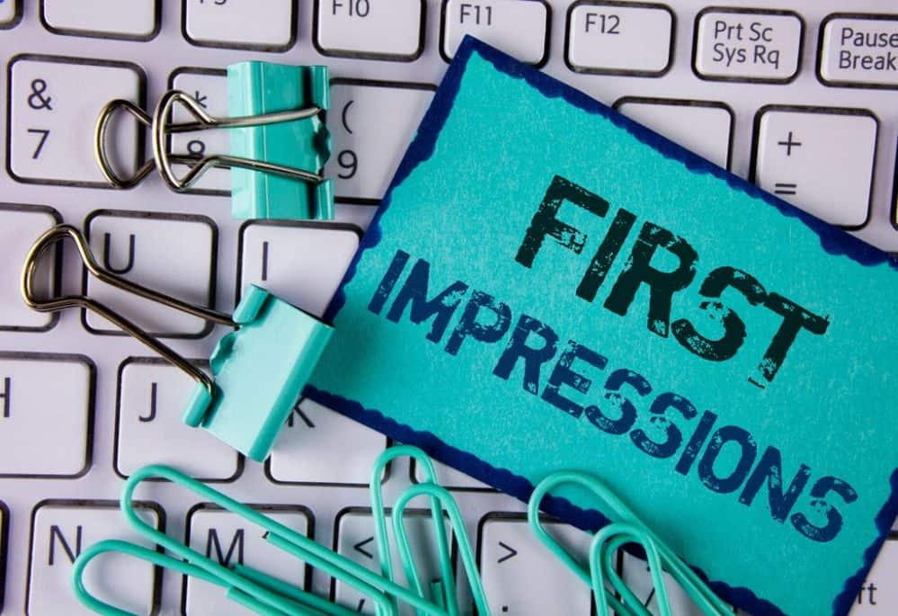 Do First Impressions Count when working online? Find out how by doing these 10 simple things. Start to get the right type of clients to start earning money online.